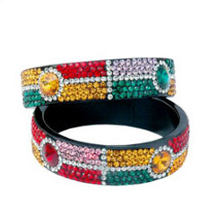 DESIGNER LAC BANGLE
