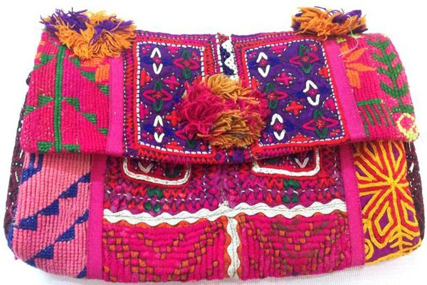 INDIAN VINTAGE CLUTCHES