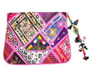 WOMEN'S CLUTCHES‎